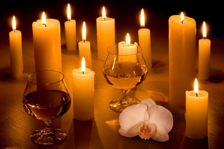 Decoracion-con-velas-para-una-noche-romantica